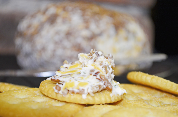 Easy Cheese Ball - %%