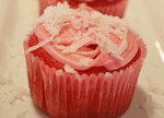 Valentines Day Coconut Cupcakes by 3glol.ne